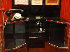ab-phone-box-inside