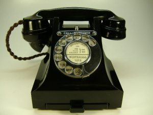 antique_telephones