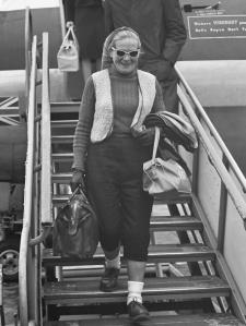 Aankomst Britse langeafstand wandelaarster dr. Barbara Moore op Schiphol *1 juni 1961