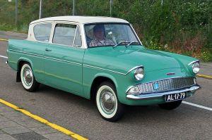 1960_Ford_105E_Anglia,_licence_AL-17-79,_pic6