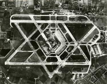 heathrow_airport_1955